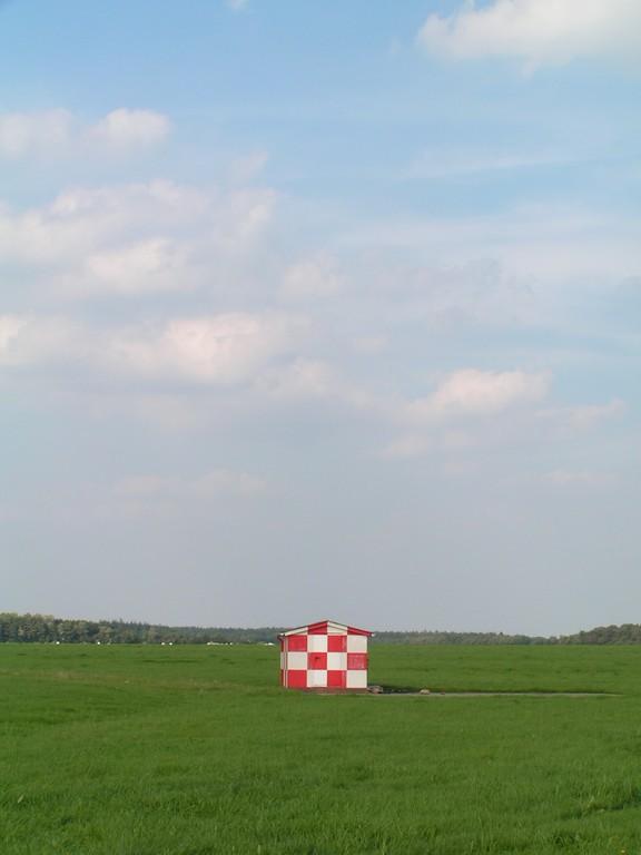 Foto_Bauwerke_Flugplatzhuette.jpg